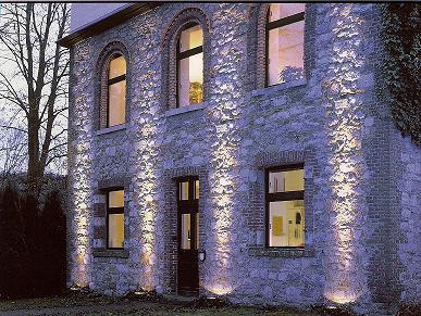 Eclairage ext rieur encastr s muraux for Eclairage maison exterieur